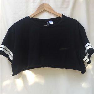 H&M Divided Black Short Sleeved Striped Crop Tee